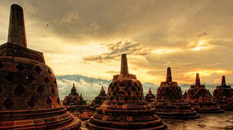 Candi Borobudur Mulai Buka Dengan Pembatasan Pengunjung